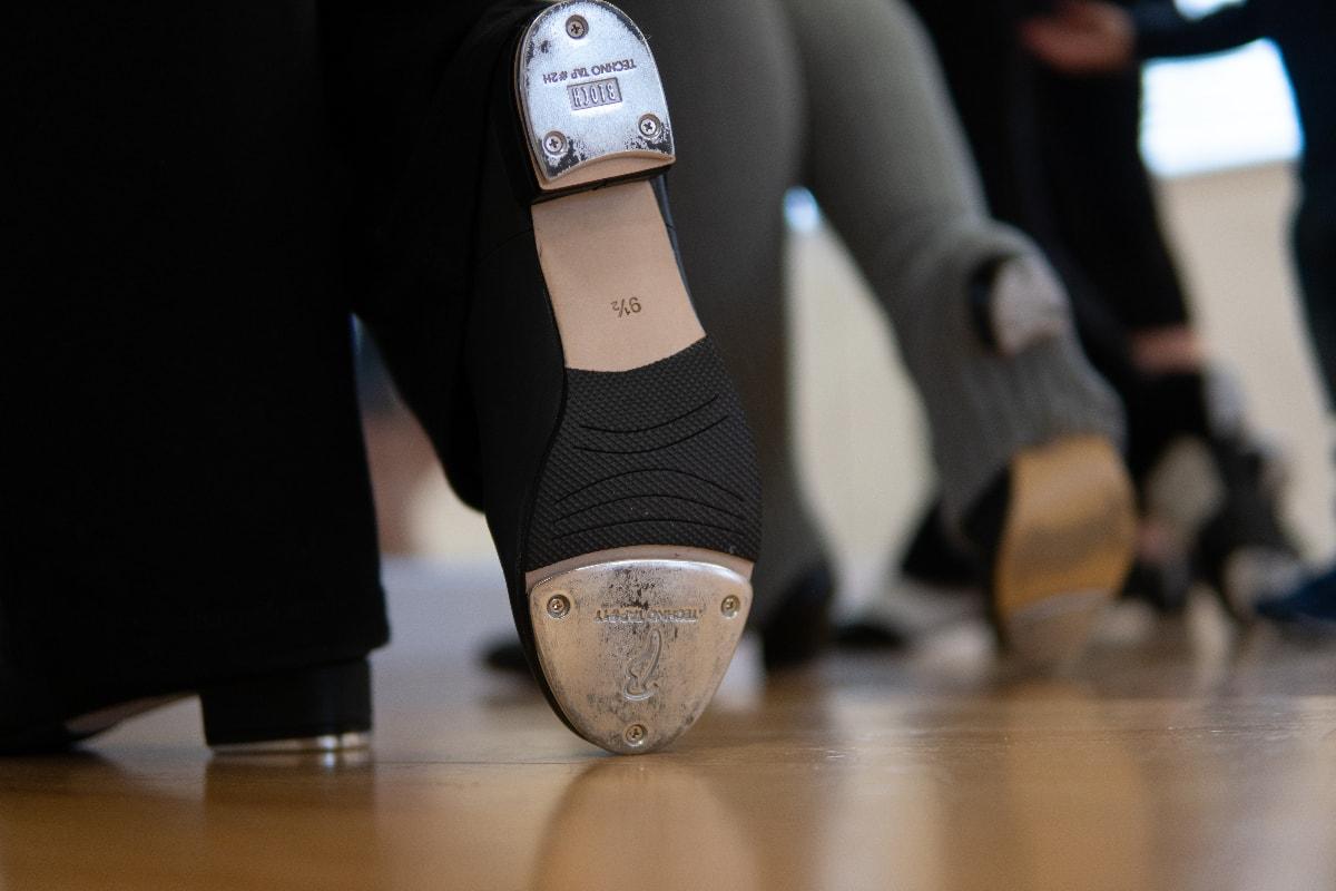 Clogging shoes